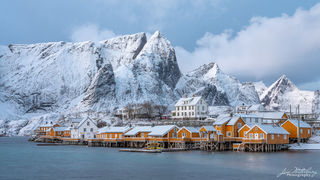 fishing cottages, Sakirsoy, Lofoten, winter, snow, mountains