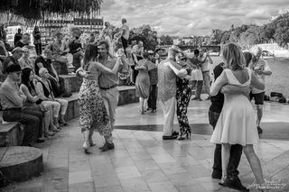 Dancing on the Quai