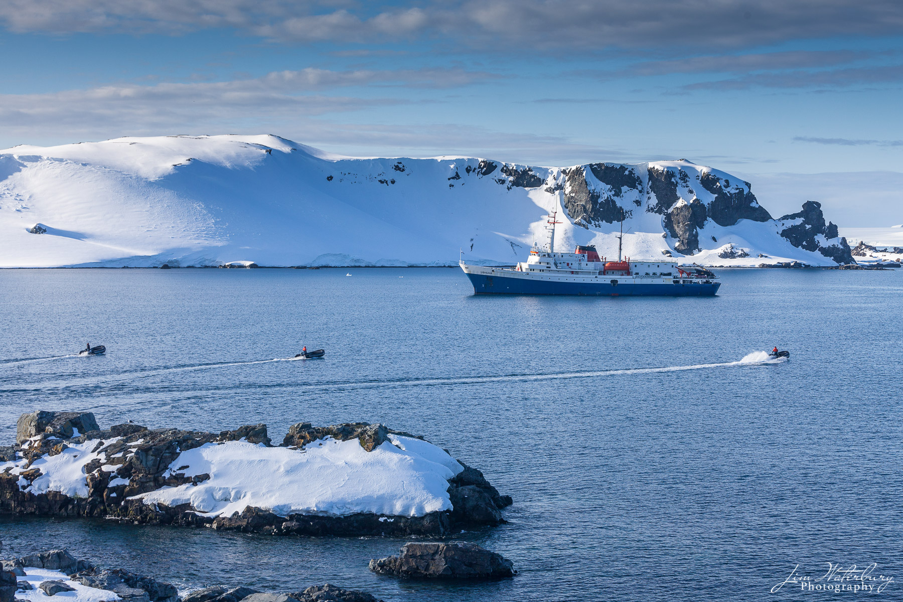 Antarctica, zodiacs, boats, Half Moon, photo