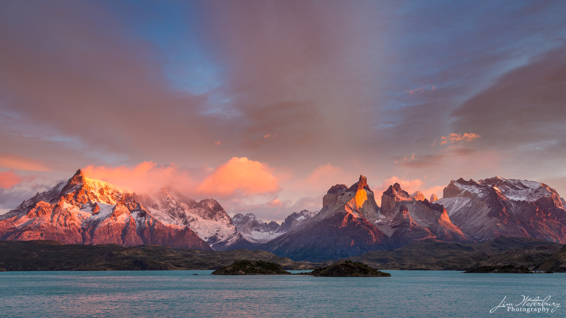 sunrise, alpenglow, horns, cuernos, mountains, Torres del Paine, photo