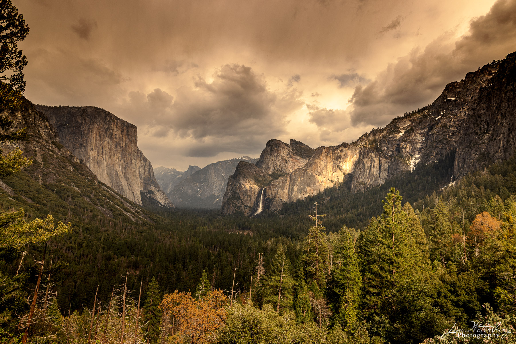 Tunnel View (Inspiration Point) after a late afternoon clearing thunderstorm